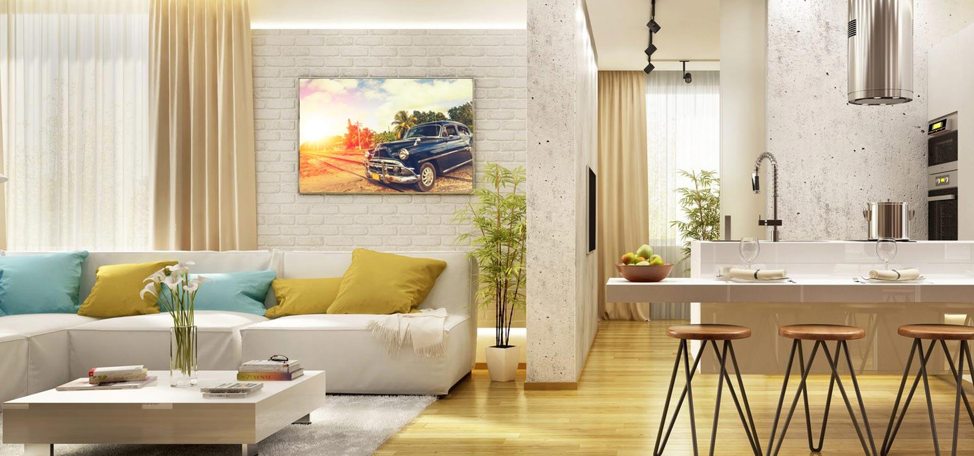 Infrarotheizungen mit Bilddruck in einem Wohnzimmer